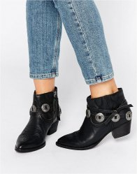 Dolce Vita Skye Leather Western Heeled Ankle Boots Black leather