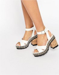 ASOS TAKE IT ON Chunky Heeled Sandals Off white