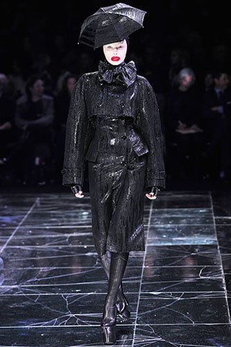 a-look-from-Alexander-McQueen-Fall-2009-collection